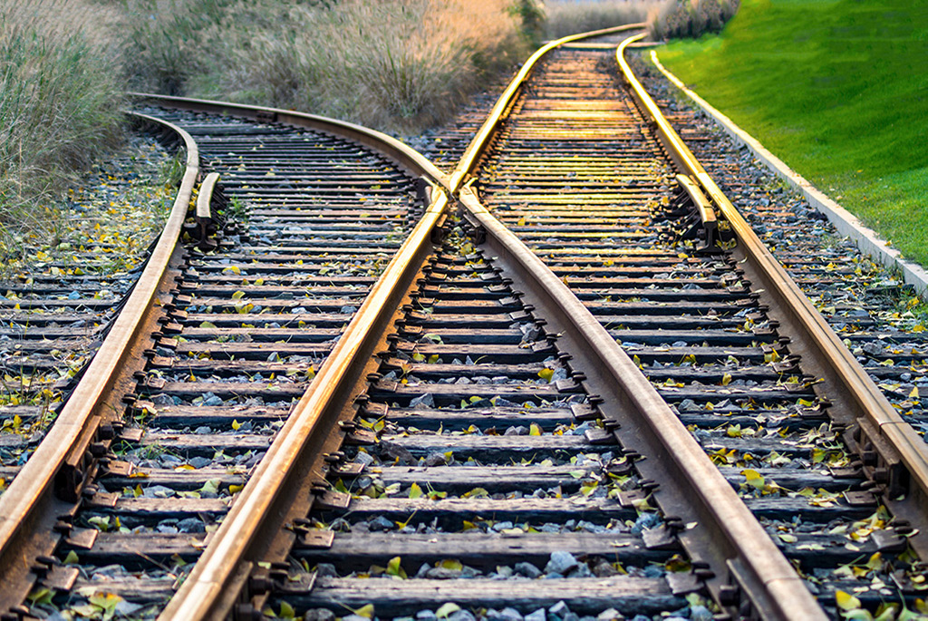 railway intersection resembling fork feature to illustrate better workflow management
